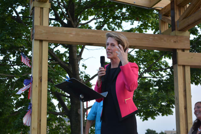 """Democratic candidate Zephyr Teachout accused Gov. Andrew Cuomo of being in a """"corrupt old boys club"""" on Tuesday."""
