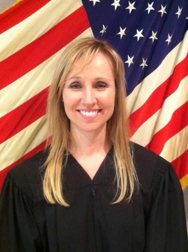 Noreen Calderin is seeking election to the New York State Supreme Court 9th Judicial District.