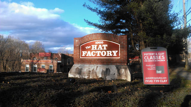 There will be a holiday pottery sale and wine tasting to benefit the Peekskill Education Foundation this weekend at the Hat Factory.