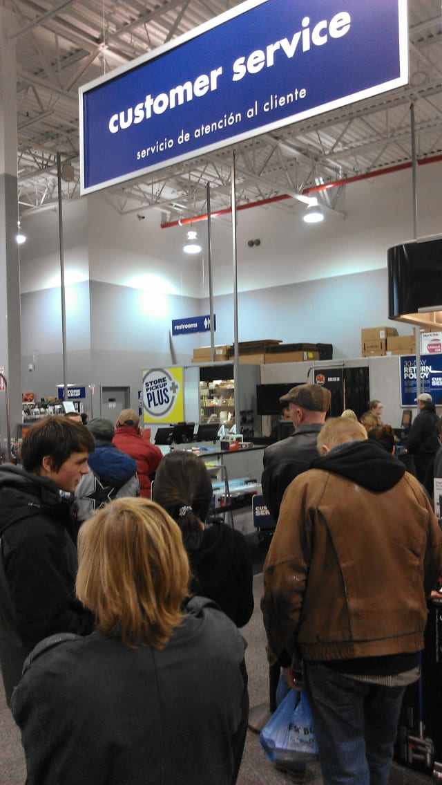 Lines for returns were relatively short on Wednesday at many stores in the Cortlandt Town Center, including Best Buy.