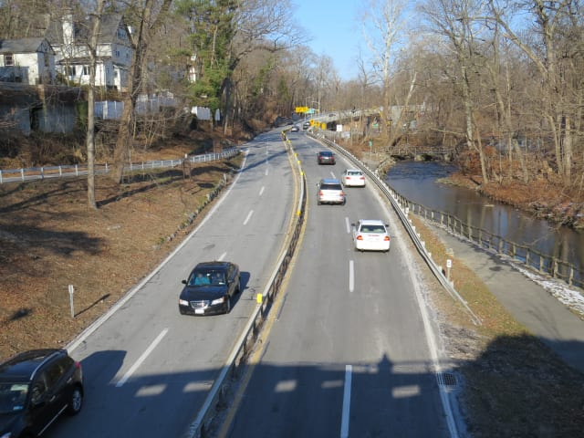 The Bronx River Parkway will close for a few minutes on Monday in Scarsdale and Greenburgh.