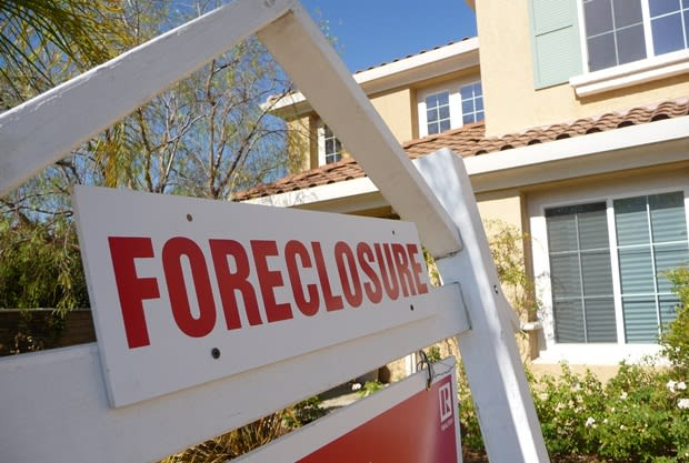 Fairfield County has many of the country's foreclosed homes valued at more than $1 million, according to a report by the Wall Street Journal.
