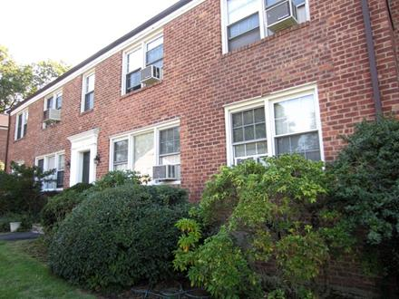 There is an open house for a property on 109 N. Broadway from 1-3 p.m. Sunday.