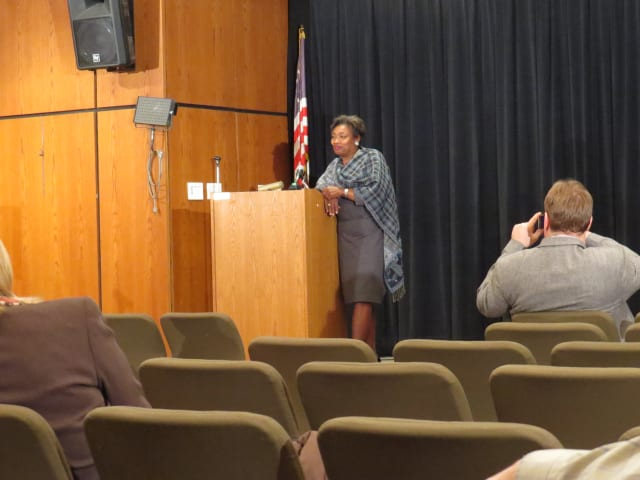 State Sen. Andrea Stewart-Cousins speaks about mandates at the Scarsdale Forum membership meeting.