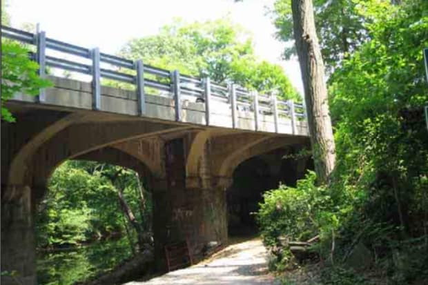 Night work will begin on Monday on the Crane Road Bridge in Scarsdale.