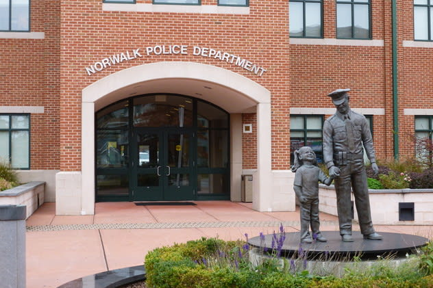 Norwalk police will hold a sobriety checkpoint Friday night on West Avenue.