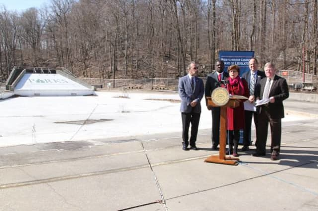 Westchester legislators and other leaders meet at Sprain Ridge Park Pool to ask the county to begin renovations on the closed facility.