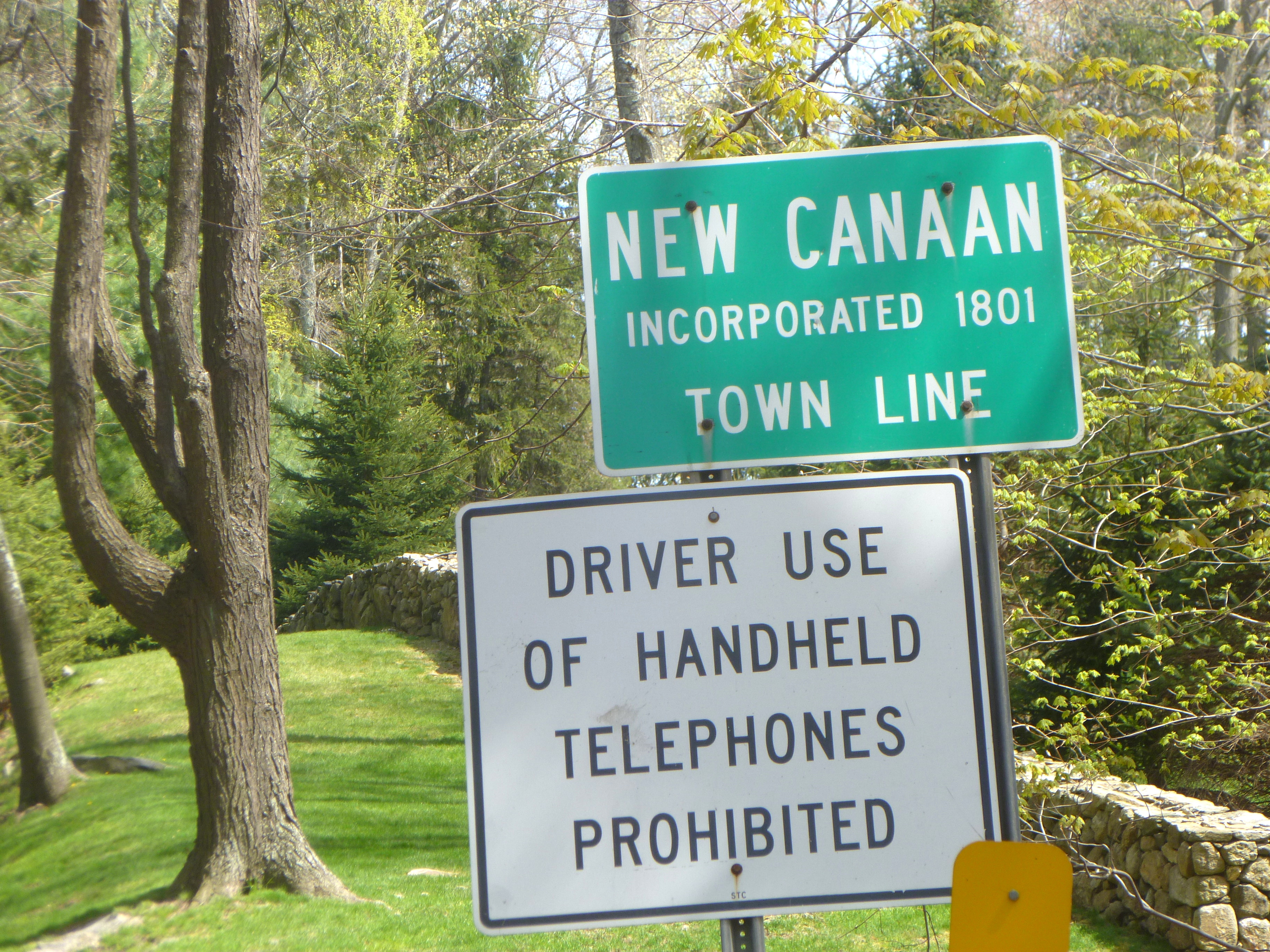 New Canaan's population has grown about 1.7 percent from 2010 to the middle of 2012, the U.S. Census Bureau reported Thursday.