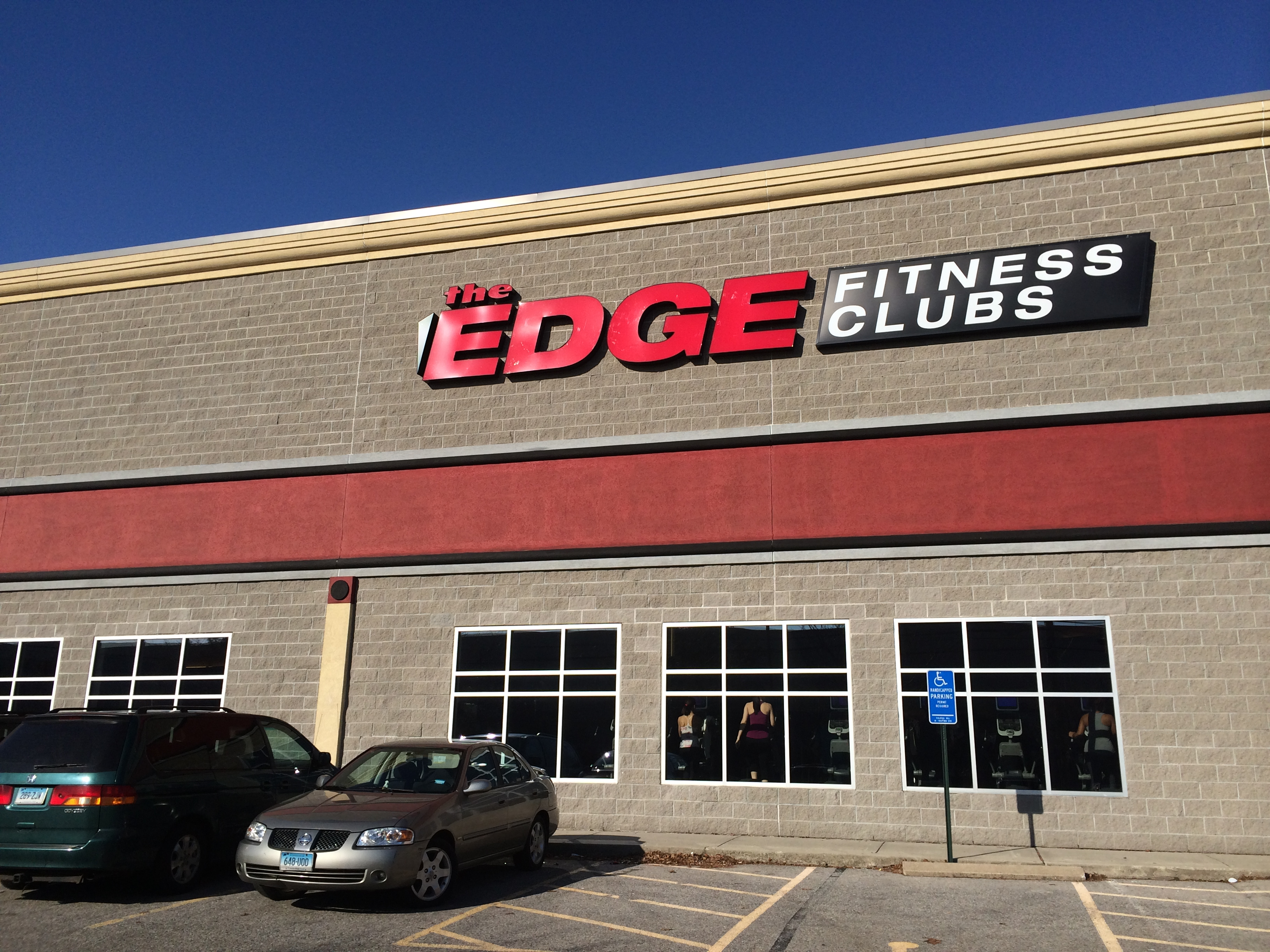 The Fairfield Edge Fitness Club on Kings Highway Cutoff has experienced a rash of thefts from cars in its parking lot.
