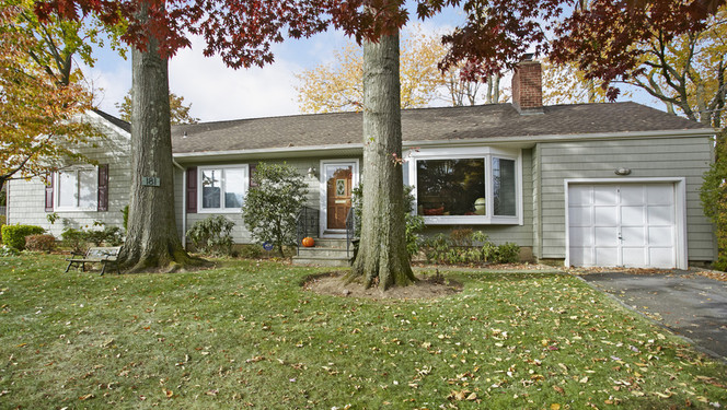 181 Plymouth Drive, Scarsdale