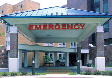 A bankruptcy court Monday approve Westchester Medical Center's purhase of the assets of St. Francis Hospital in Poughkeepsie.