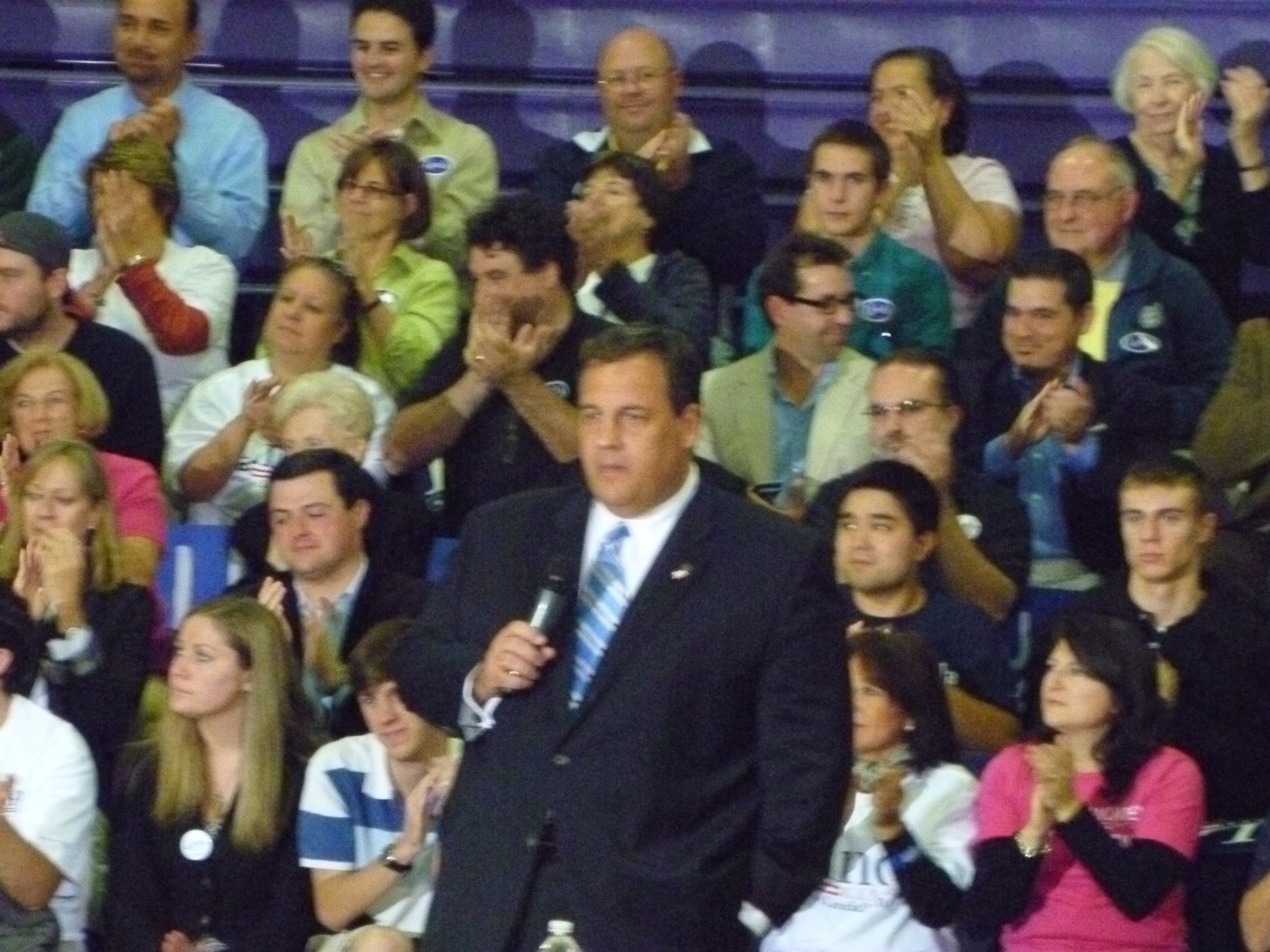 About 200 gun control activists turned out for Chris Christie's visit to Greenwich Monday for a Republican party fundraiser and promotion of Tom Foley's candidacy for governor.