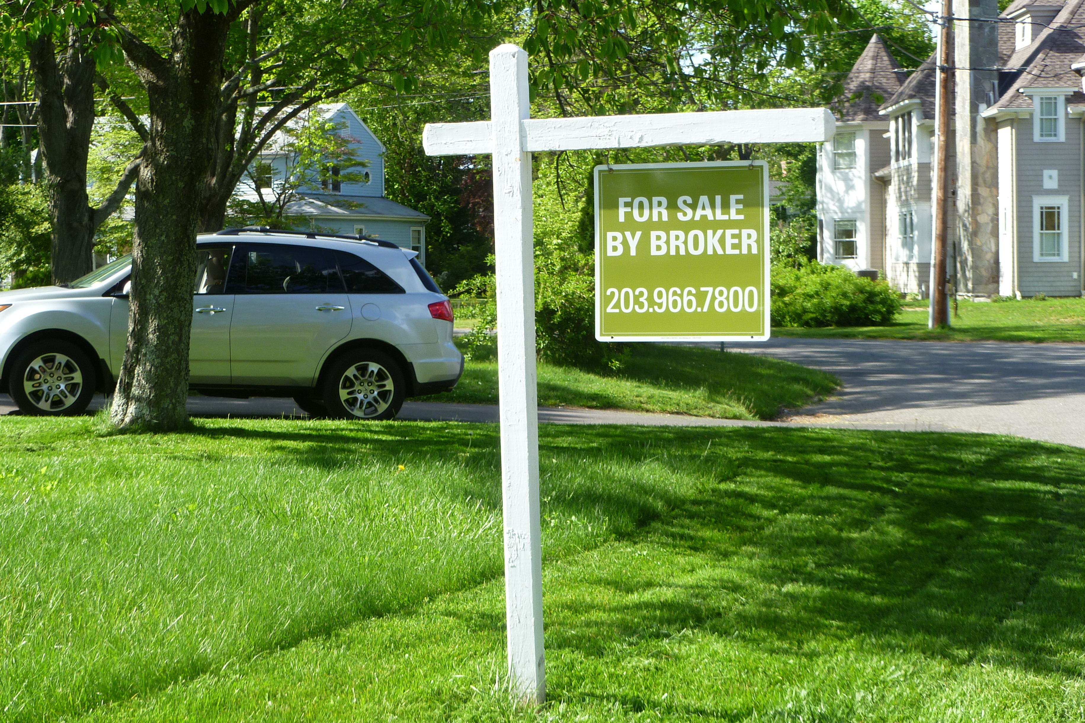 These home sales are reported by the New Canaan town clerk's office.