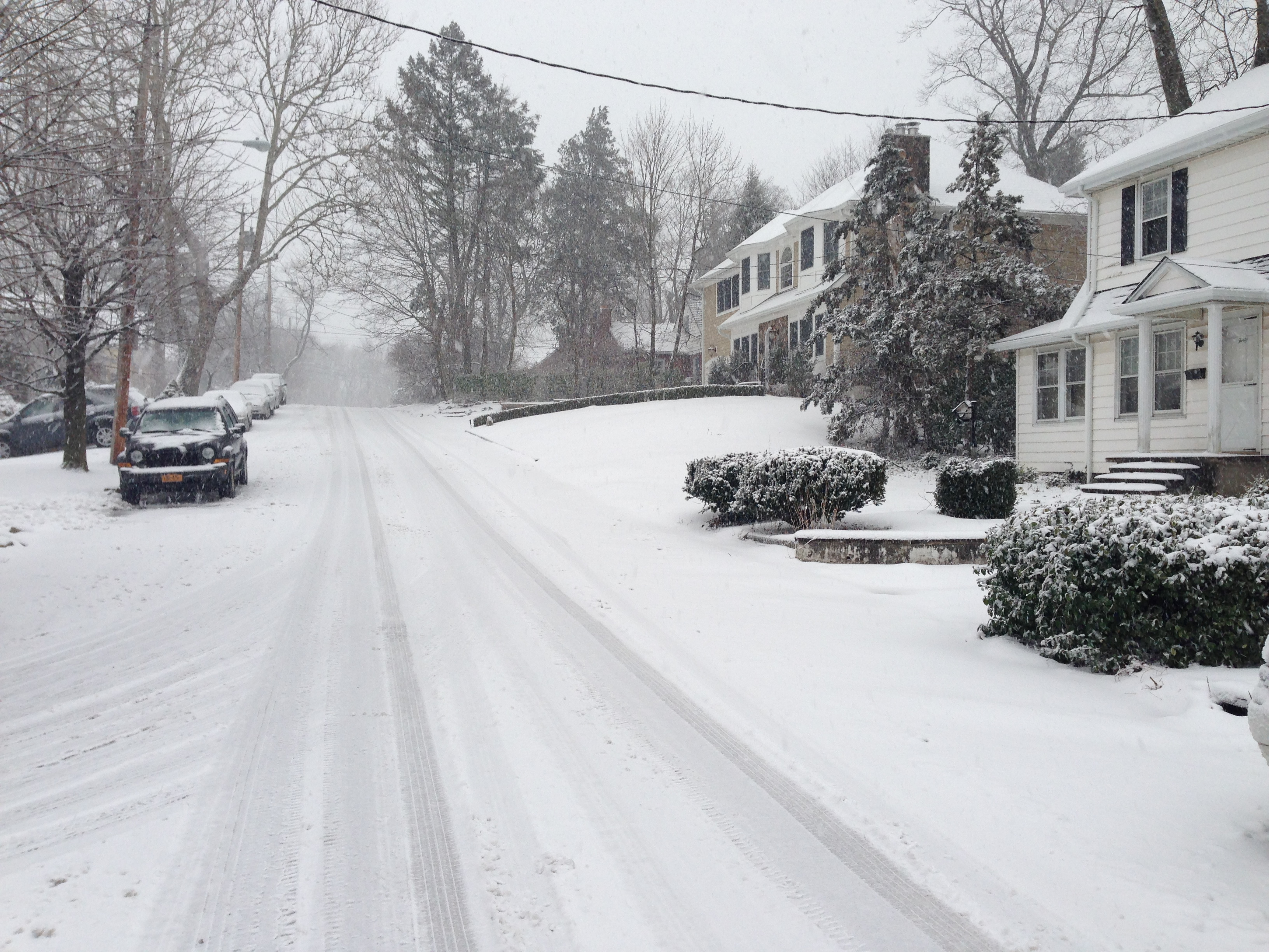 The snow is beginning to cause roads to get messy in Tuckahoe.