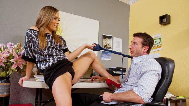 В офисе порно онлайн бесплатно