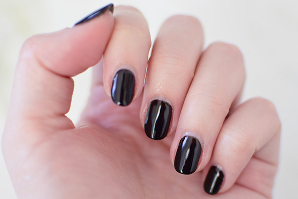 Gel nails grow out