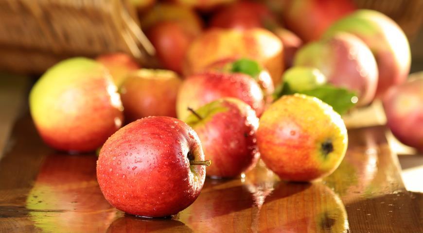 Неженка яблоки со сгущенкой