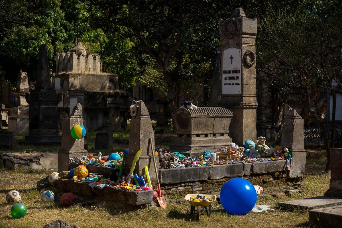 Tumba en el Panteón de Belén en Guadalajara