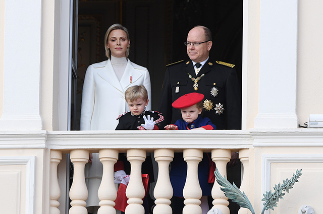 Князь монако альбер ii и его супруга шарлен дети