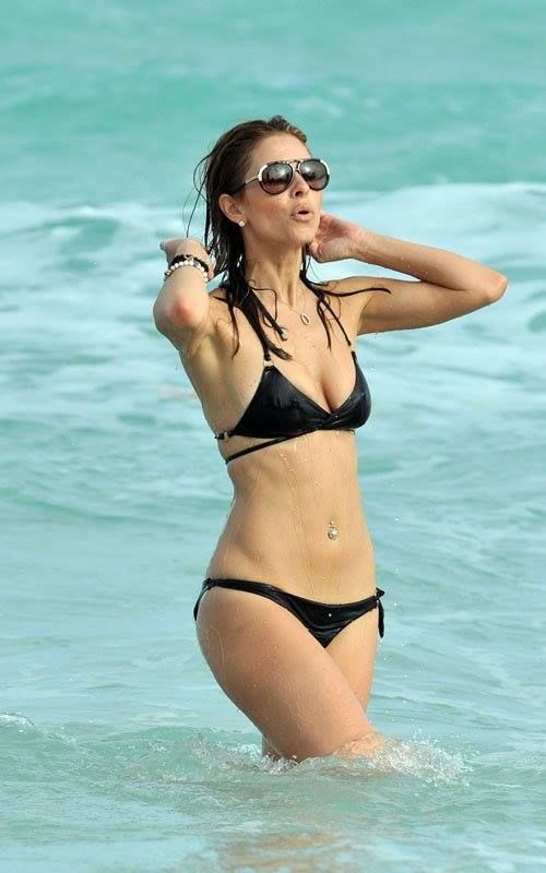 Monica bellucci in bikini