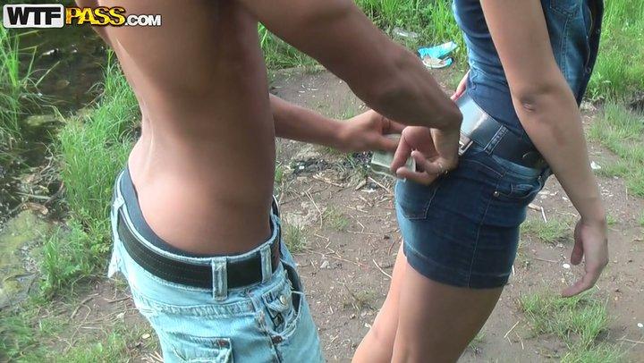 Секс на улице видео