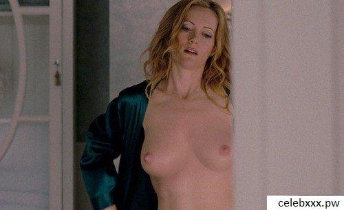 Nude pics elizabeth banks