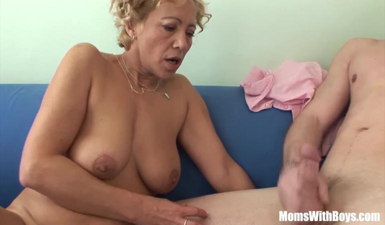 Мамаши онлайн порно ролики