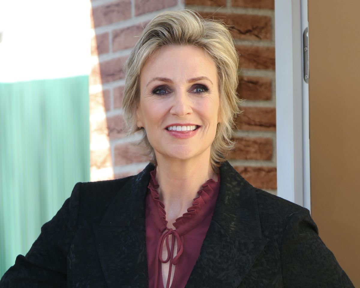 Jane lynch contact information