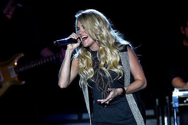 Carrie underwood haircuts
