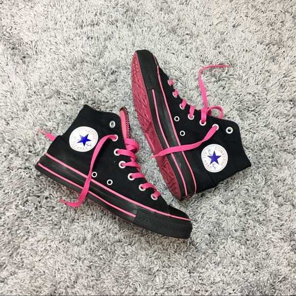 Black and hot pink converse