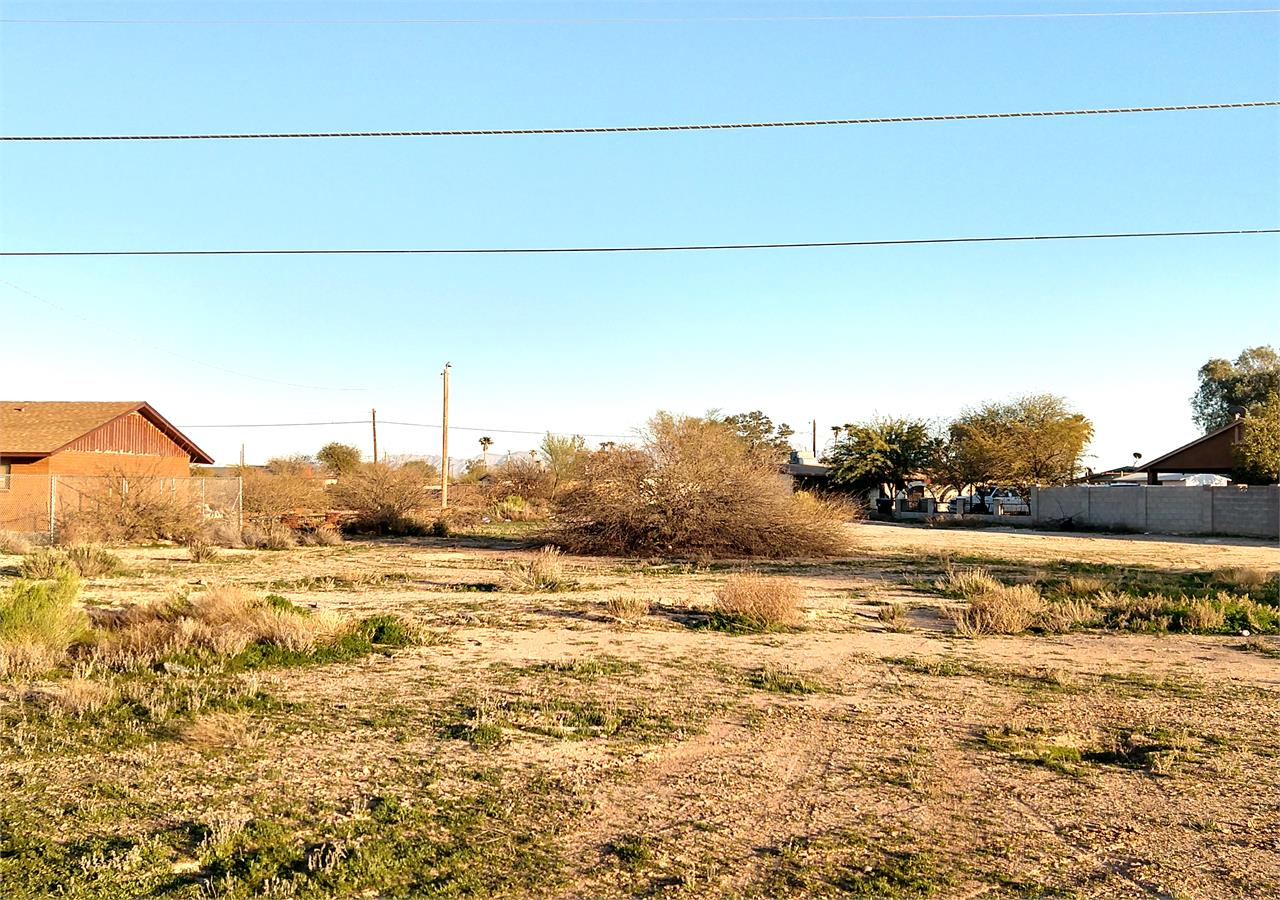 4035 N DEL MONTE DR - From Front of Lot
