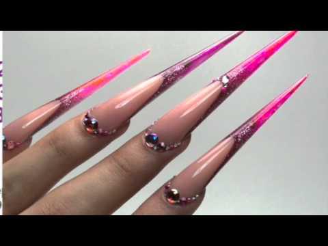 Leon's nails