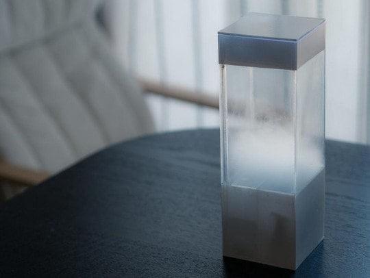 Tempescope – гаджет, который моделирует облака, дождь, гром и молнию, чтобы показать прогноз погоды