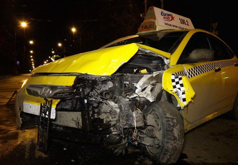 Разбитое такси