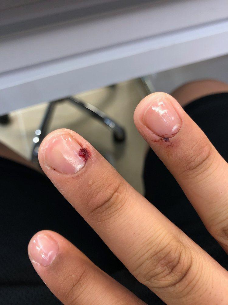 Simply nails ????