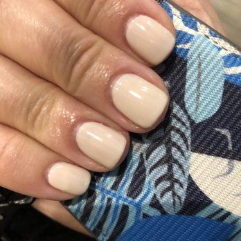 Krystens nails natick