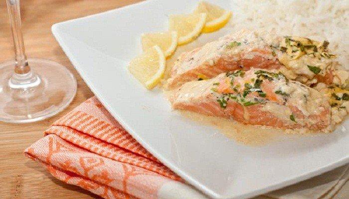 Запеченное филе лосося в сливочном соусе