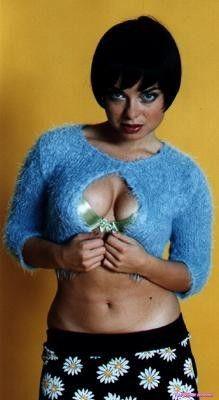 Natasha-Koroleva-sexy-golaya-dekolte-84
