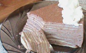 Кусок блинного торта по Дюкану