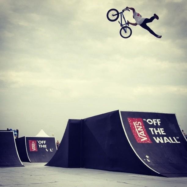 "Vans ""Off The Wall"" BMX Invitational - Kevin Peraza"