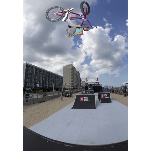 "Vans ""Off The Wall"" BMX Invitational - Daniel Sandoval"