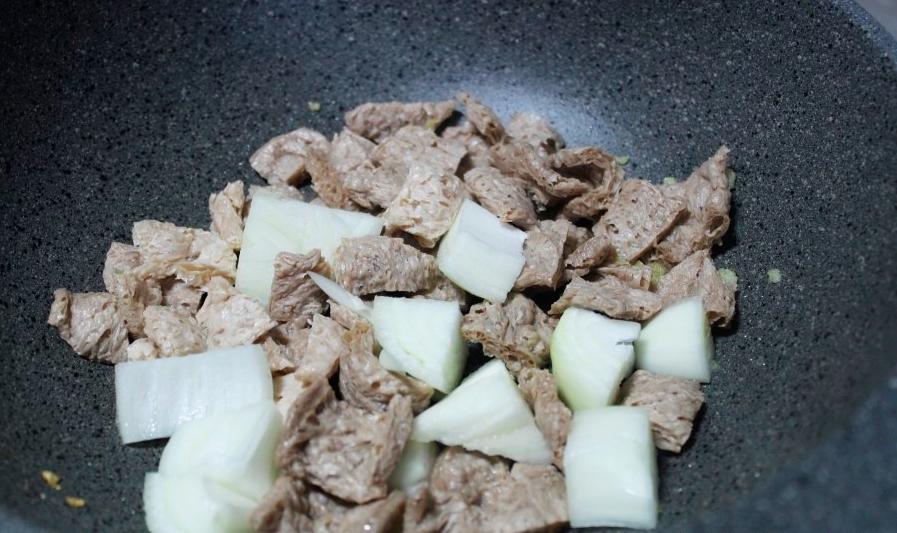 Жареное соевое мясо для Поккыма.