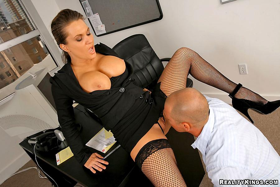 Смотреть порно секретарш