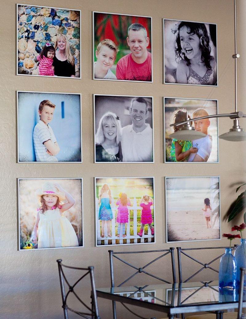 Декор стены кухни семейными фотографиями