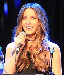 Kate beckinsale calendar 2012