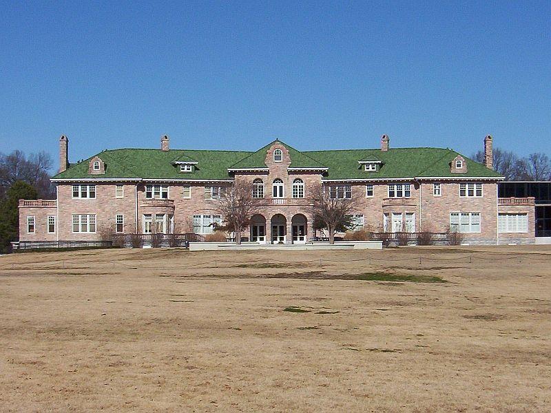 Pink palace museum address