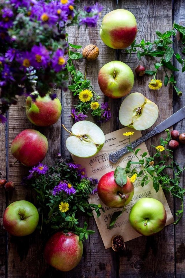 Картинки с праздником с яблочным спасом