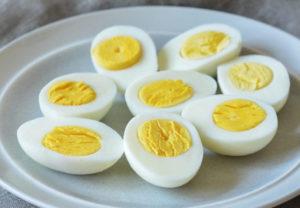 Как отварить яйца для салата