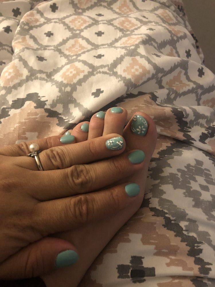 Cali hair and nails