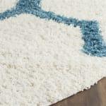 Safavieh Layla Blue & White Quatrefoil Rug - 3